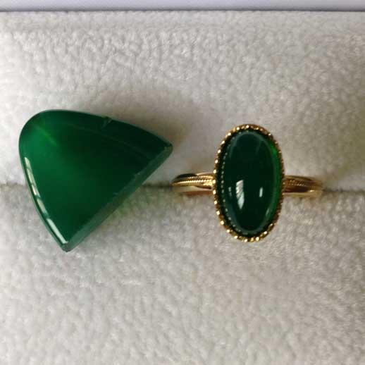 オパールを使った指輪