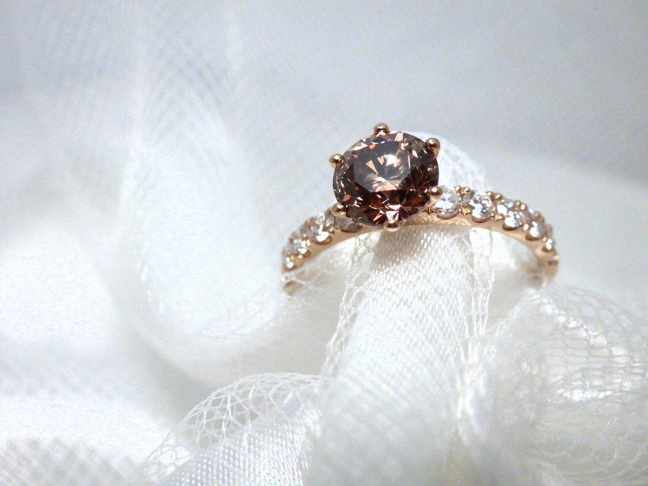 ブラウンダイヤモンドの婚約指輪
